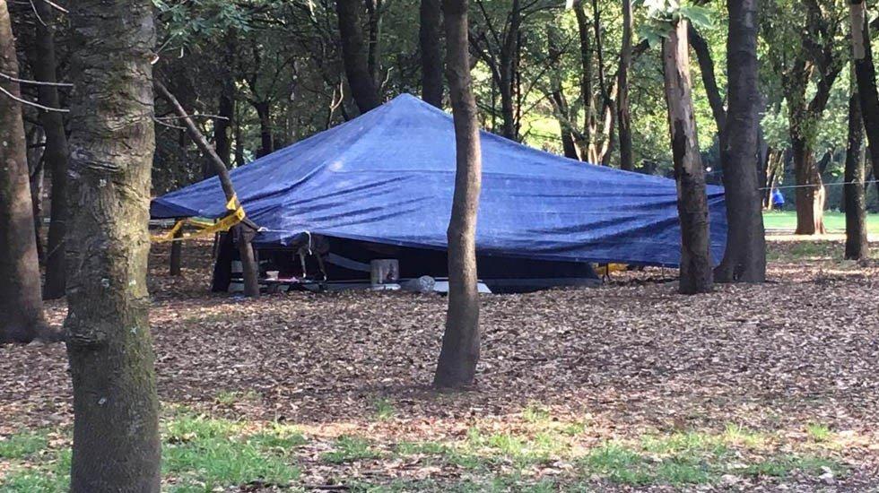 De no creer. Un grupo de indigentes instaló campamentos en el bosque de Chapultepec http://bit.ly/2YQeyW4