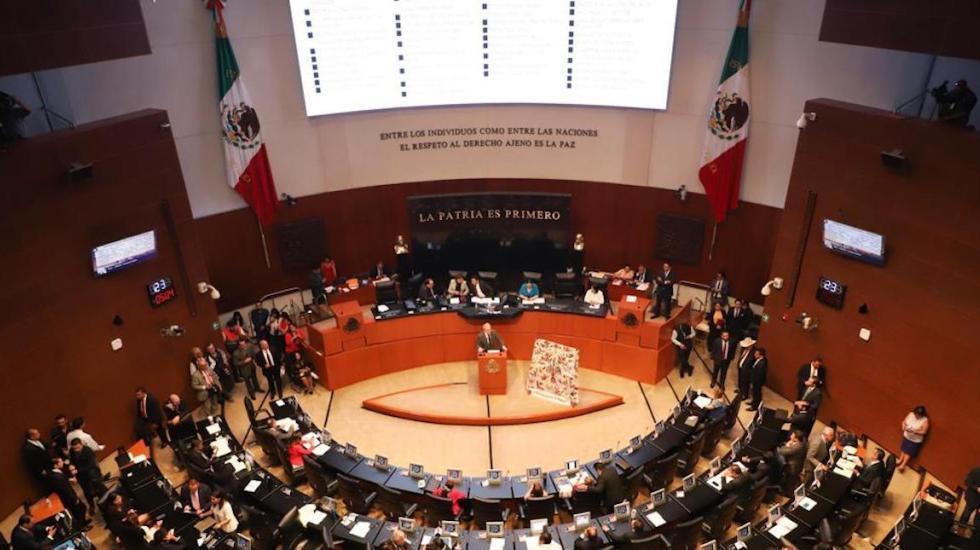 El senador Ricardo Monreal anunció que su iniciativa para regular comisiones bancarias será presentada en septiembre http://bit.ly/2LkJ8UO