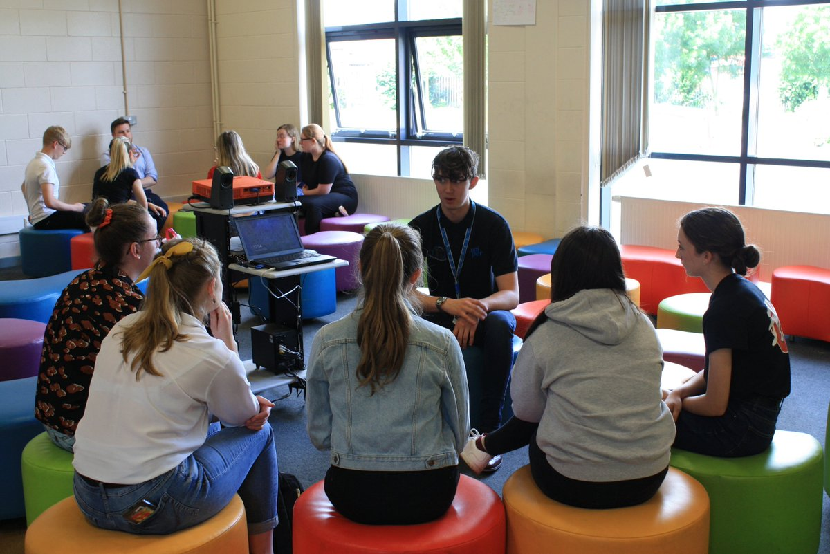 Huge thanks to our lovely alumni for coming back to speak with Y12 about their student journey yesterday - #EPICweek day 4 <br>http://pic.twitter.com/soJ1jmavQg