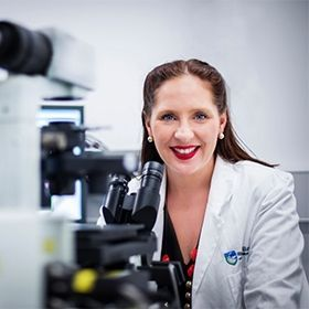 Dr Misty Jenkins is a Gunditjmara woman & lab head of @WEHI_research. She's the 1st Indigenous Aus postdoc to attend @UniofOxford & @Cambridge_Uni. Her passions include immune therapy for brain cancer & #STEM literacy in Aboriginal & Torres Strait Islander students #NAIDOC2019<br>http://pic.twitter.com/9TzeQ8jlmg