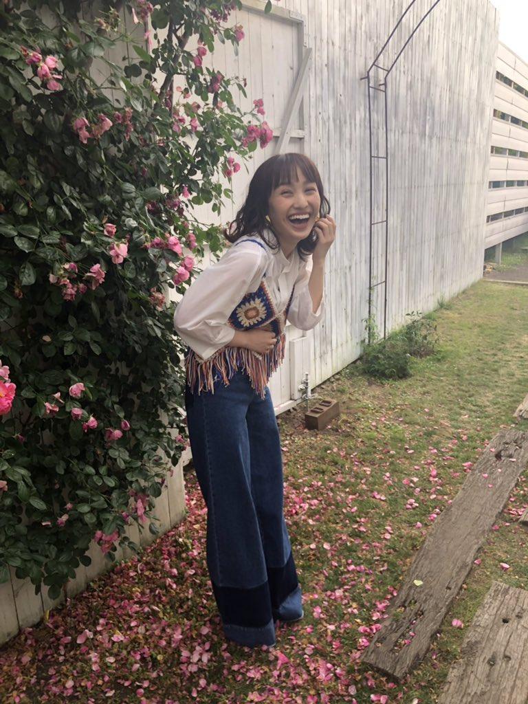 RT @momorikobuta517: HAPPY BIRTH DAY かなこぉ↗️  ずっと変わらず笑顔で❤️BU #momoclo #TDF #百田夏菜子生誕祭 https://t.co/WWBDa02zPu