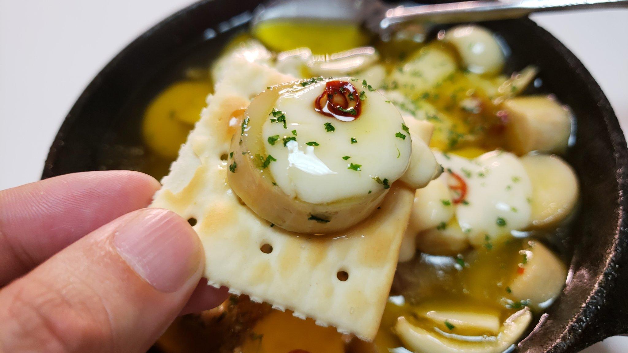 「さけるチーズのアヒージョ」本気で旨い・とろけたチーズとエリンギの食感が異世界に誘う!!!!!!!!!