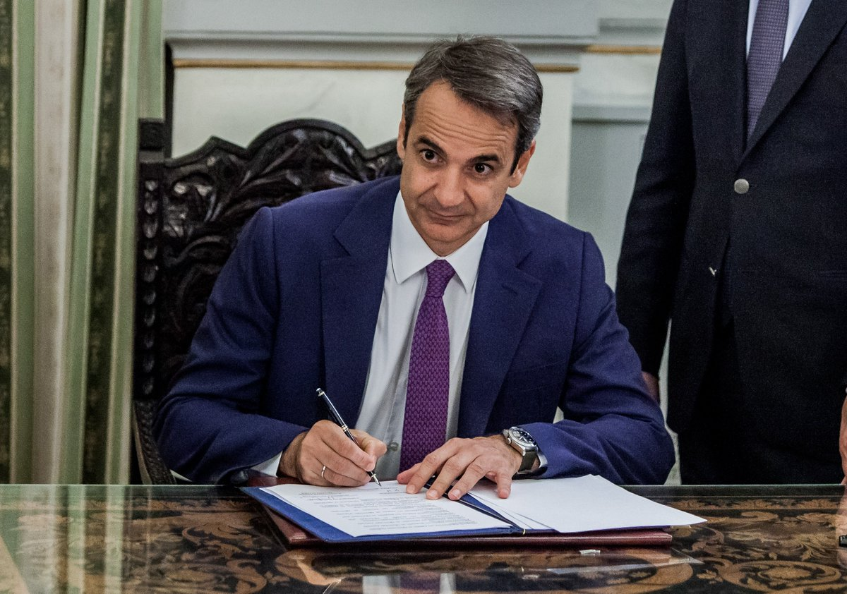 Chinese Premier Li Keqiang congratulates Kyriakos Mitsotakis @kmitsotakis on assuming office as prime minister of Greece, saying that the Chinese government is willing to make joint efforts with the new Greek government to deepen traditional friendship http://xhne.ws/RUgXf