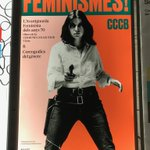 Barcelone: on aura compris qu'il vaut mieux garder ses distances en cas de rencontre avec une féministe catalane... #féminisme #féministe #feminist #feminism