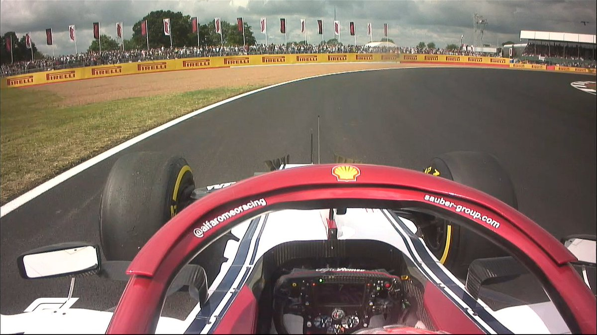 🚩 RED FLAG 🚩  The session has been halted temporarily as Kimi grinds to a halt   #BritishGP 🇬🇧 #F1