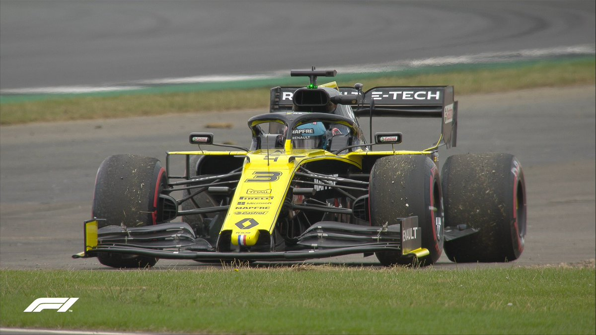 Ricciardo grinds to a halt temporarily bringing out the VSC ⚠️  #BritishGP 🇬🇧 #F1