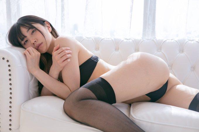 仁藤りさのTwitter自撮りエロ画像5