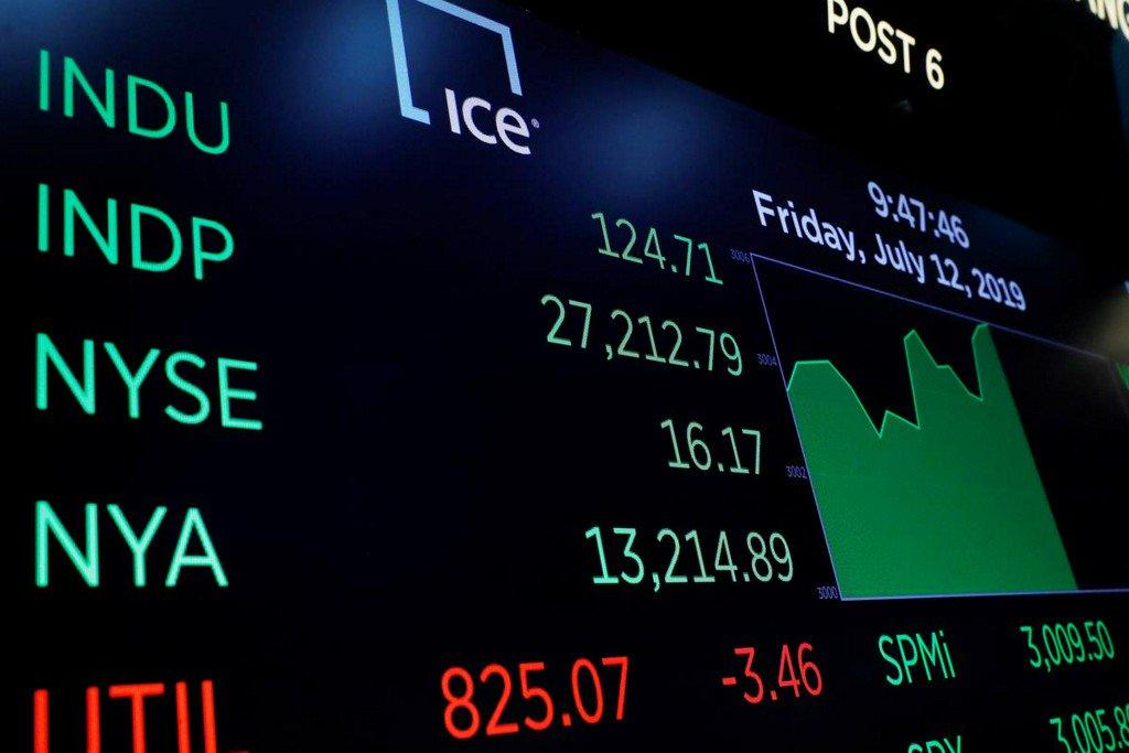 Wall Street hits record high on rate cut optimism http://www.reuters.com/article/us-usa-stocks-idUSKCN1U71HG?utm_campaign=trueAnthem%3A+Trending+Content&utm_content=5d28cc1d0ca7240001cb2f87&utm_medium=trueAnthem&utm_source=twitter…