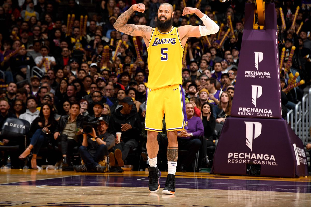 Tyson Chandler has agreed to a 1-year deal with the Rockets, per @TheSteinLine