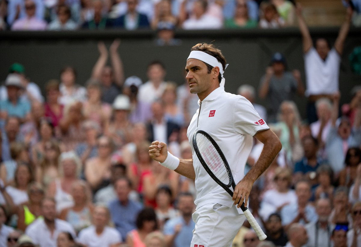 Federer celebrando un punto durante el encuentro.
