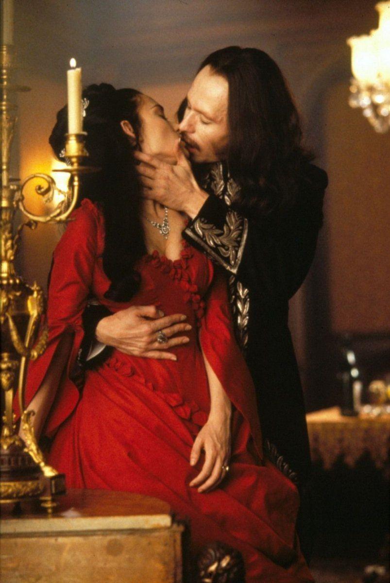 Eiko Ishioka, Costume Designer on films like Bram Stoker's Dracula, was born #OTD in 1938<br>http://pic.twitter.com/jaa4N9CtQf