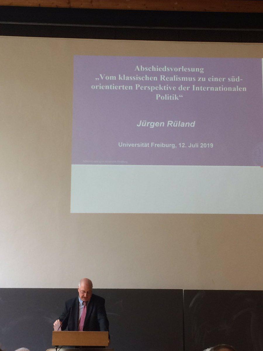 """test Twitter Media - #Abschiedsvorlesung von Prof. Jürgen Rüland: """"Vom klassischen Realismus zu einer süd-orientierten Perspektive der Internationalen Politik"""" #PoWi #PowiLehre https://t.co/C6FT5JrRBK"""