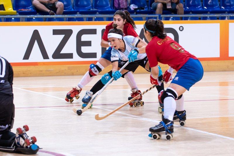 🥅 #rinkhockey 🥅  Argentina 4 - Chile 3, after penalties, so Argentina 🇦🇷 is the first Women's World Championship finalist!   📸 @marziacattini #worldskate #WRG2019 #WorldRollerGames #Barcelona2019 #skateaddicted #everybodyloveswheels @wrgbarcelona