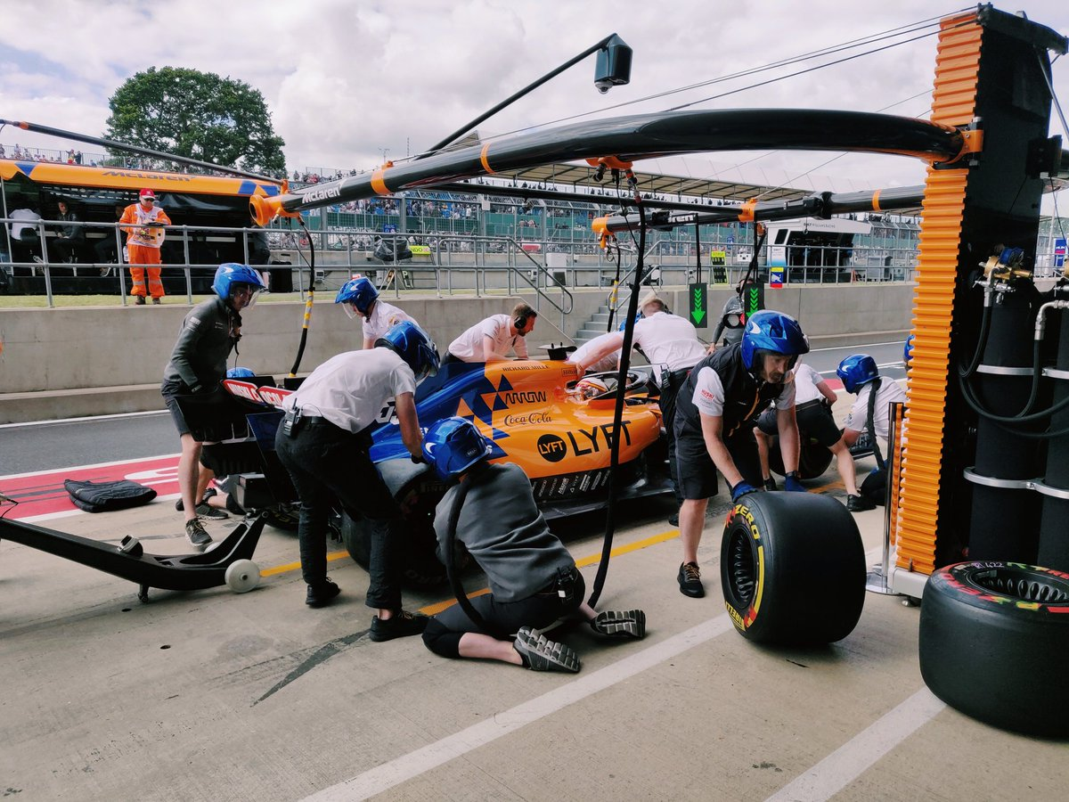 Finishing FP2 with pitstop practice. 👊   Lando finishes the session in P6, Carlos P8. #BritishGP 🇬🇧