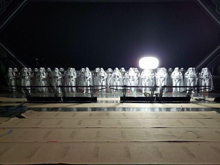 PHOTO: Possible Leaked Image Shows Massive Stormtrooper Army in Star Wars: Rise of the Resistance   http:// wdwnt.news/19071205     <br>http://pic.twitter.com/OG9aqhf4Hw