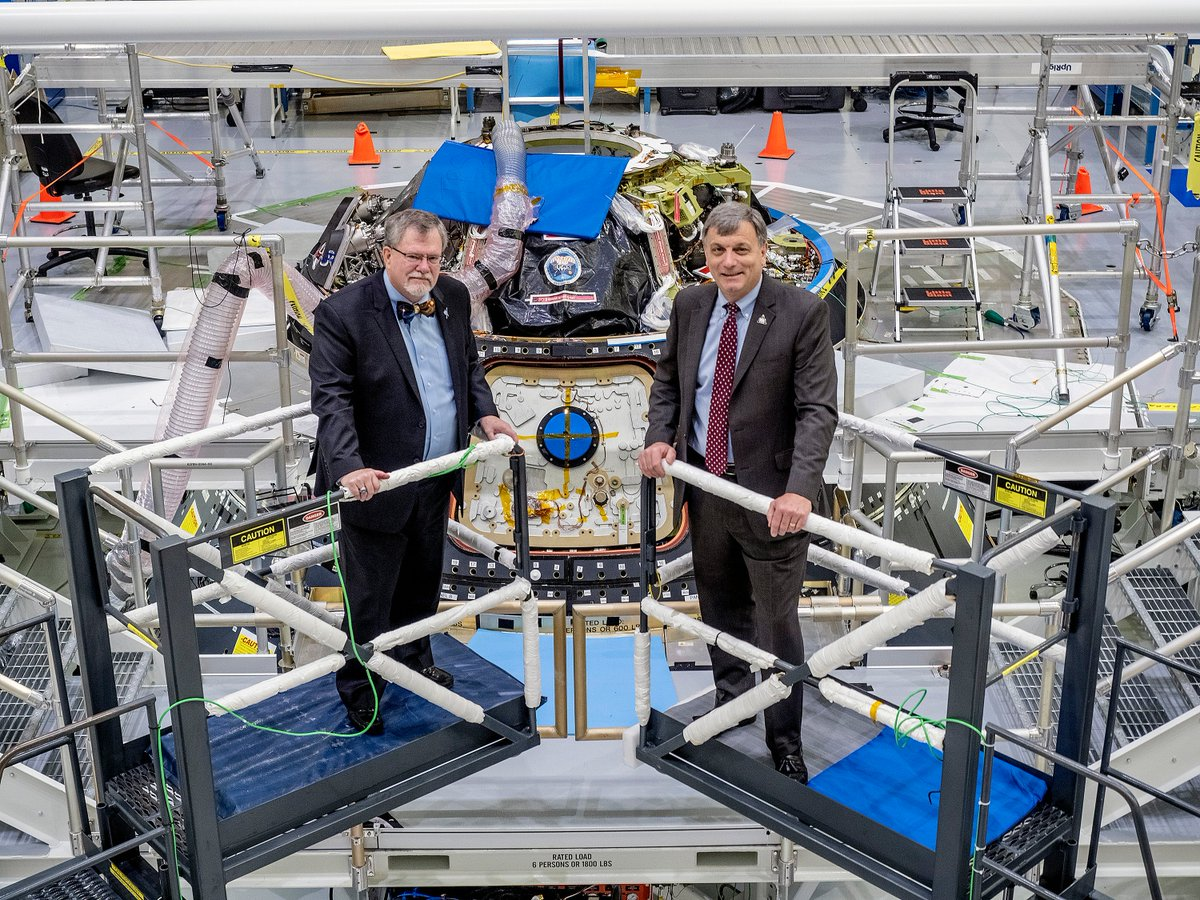 Fellow @NotreDame alumnus @hawesdoc and I spoke with Notre Dame Magazine about @NASAs plans for sending humans to the Moon and on to Mars: magazine.nd.edu/stories/destin…