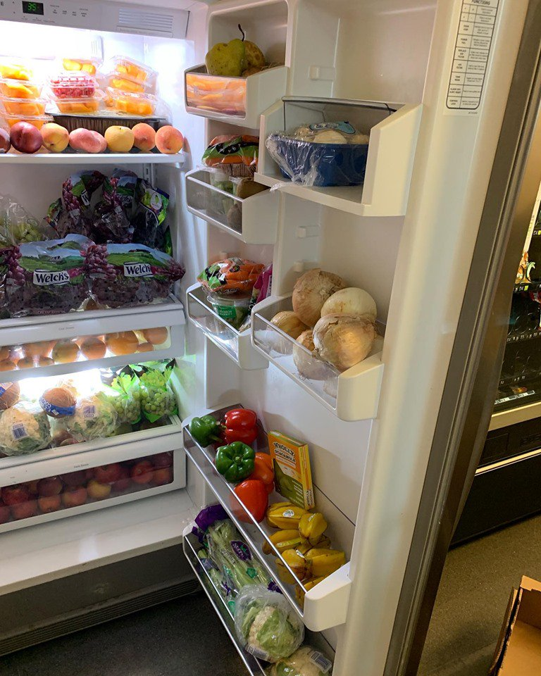 Did you know that the Campus Food Shed provides free produce to UW Madison students, staff and faculty? Stop by one of the fridges this #UWSummer!  https://www. facebook.com/campusfoodshed/    <br>http://pic.twitter.com/76XVuNP9st