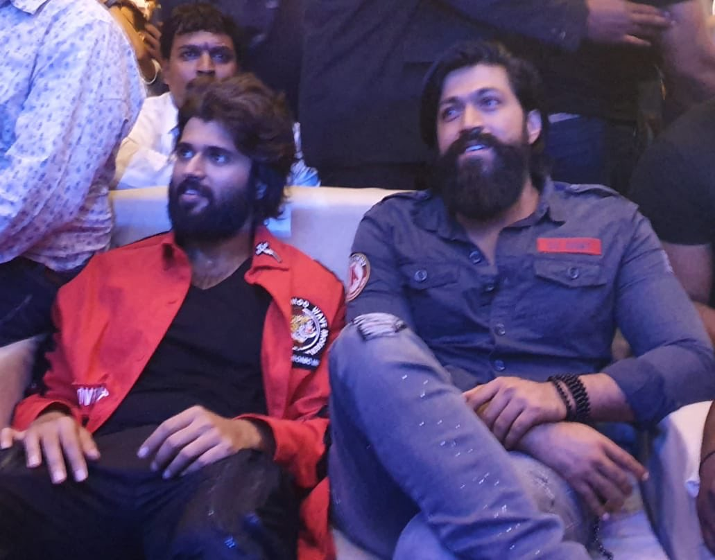 #DearComradeTrailer out now in Kannada.. launched by @TheNameIsYash