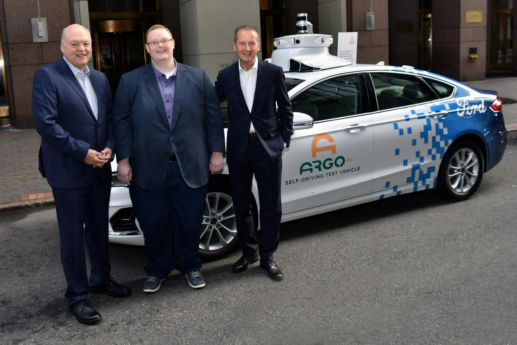 Volkswagen investment vaults Argo into top ranks of self-driving firms http://www.reuters.com/article/us-volkswagen-ford-argo-self-driving-idUSKCN1U71IB?utm_campaign=trueAnthem%3A+Trending+Content&utm_content=5d28c29c0ca7240001cb2ed4&utm_medium=trueAnthem&utm_source=twitter …
