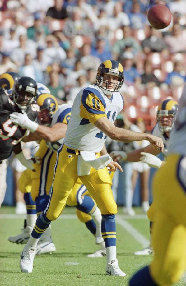 Throwback @Jim_Everett Fun Fact: Everett is the only Purdue QB to beat Michigan, Ohio State and Notre Dame in the same season. #Purdue #throwback @NFLFilms @nflthrowback<br>http://pic.twitter.com/Za8x10yH87