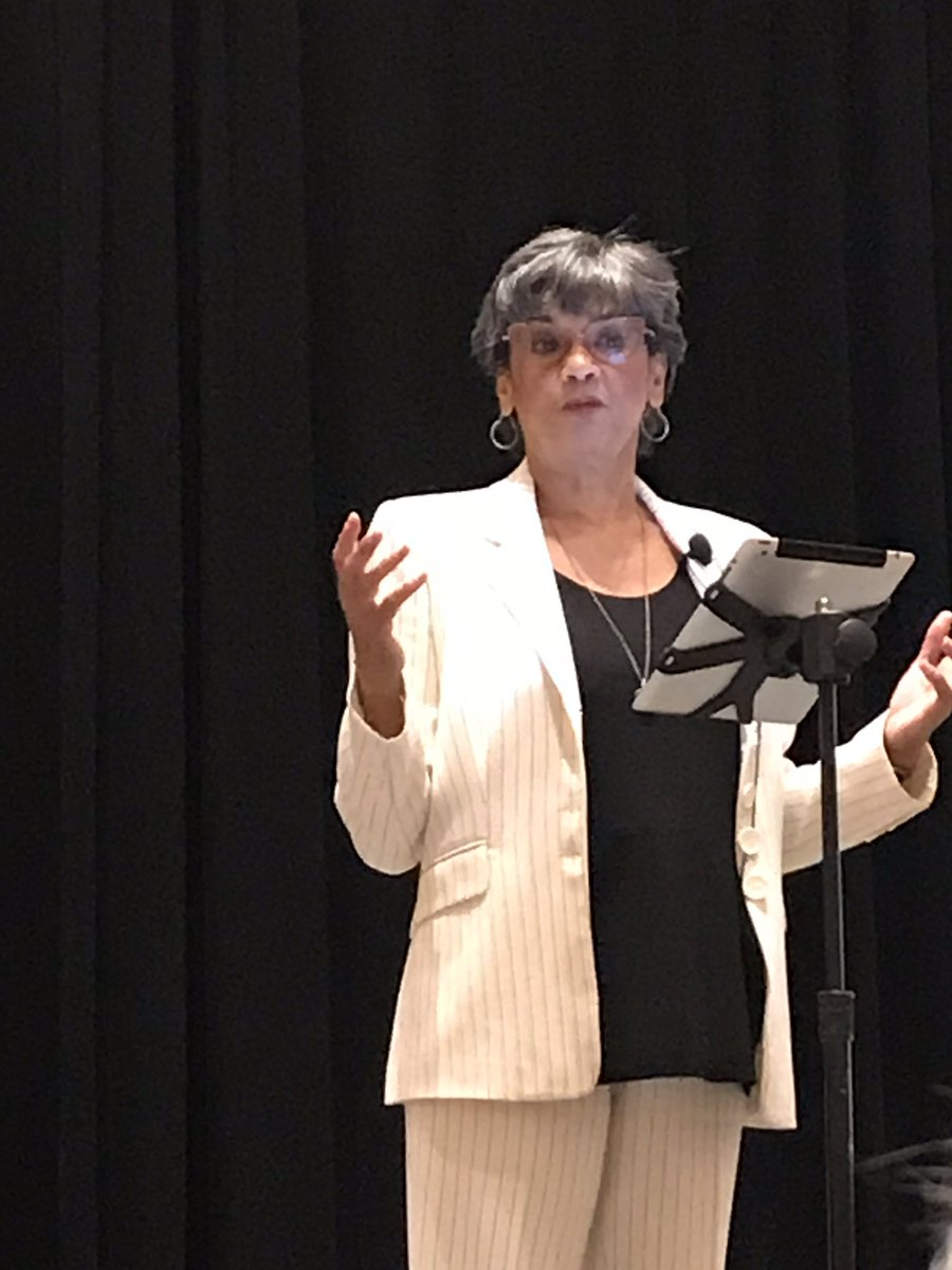 So glad I could listen to @SoniaMManzano for the closing keynote at @SDE4Educators. Thanks for the 40 years you entertained us and our students on #SesameStreet. I  Maria! E is for Equality! #SDEevents #EqualityforAll<br>http://pic.twitter.com/BIQkdDxhwm