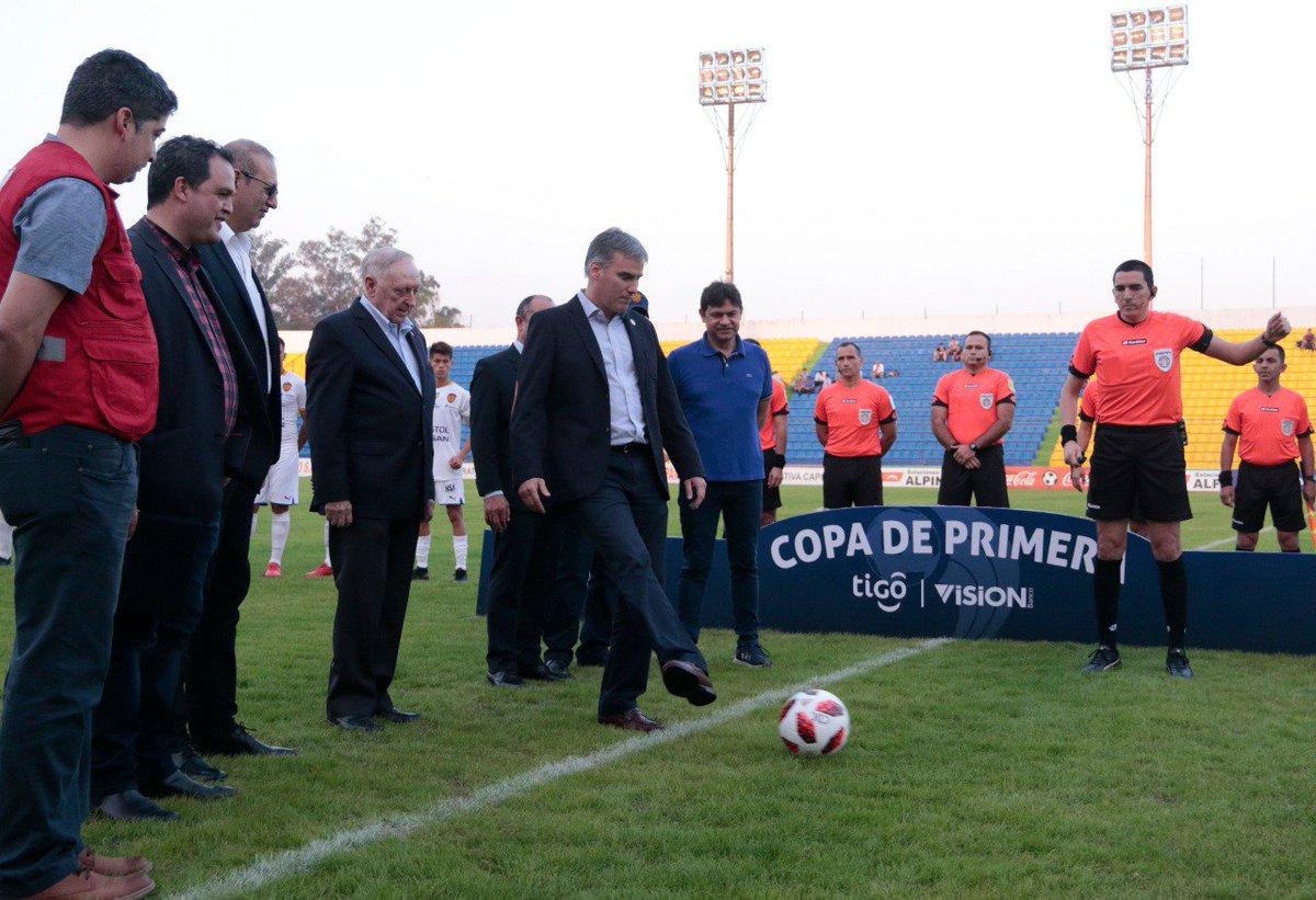 El vicepresidente de la APF dio el puntapié inicial. Foto: APF.