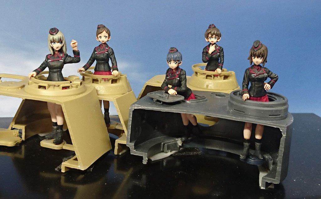 ワンフェス宣伝:1/35 ガルパン「黒森峰女学園セットNeu(ノイ)」(5体セット)。あらゆるドイツ戦車を黒森峰に変える♪  「あらあらこまった堂」4-18-09 詳細はガイドブック広告P.221またはWebにて! #wf2019s #garupan #模型戦車道