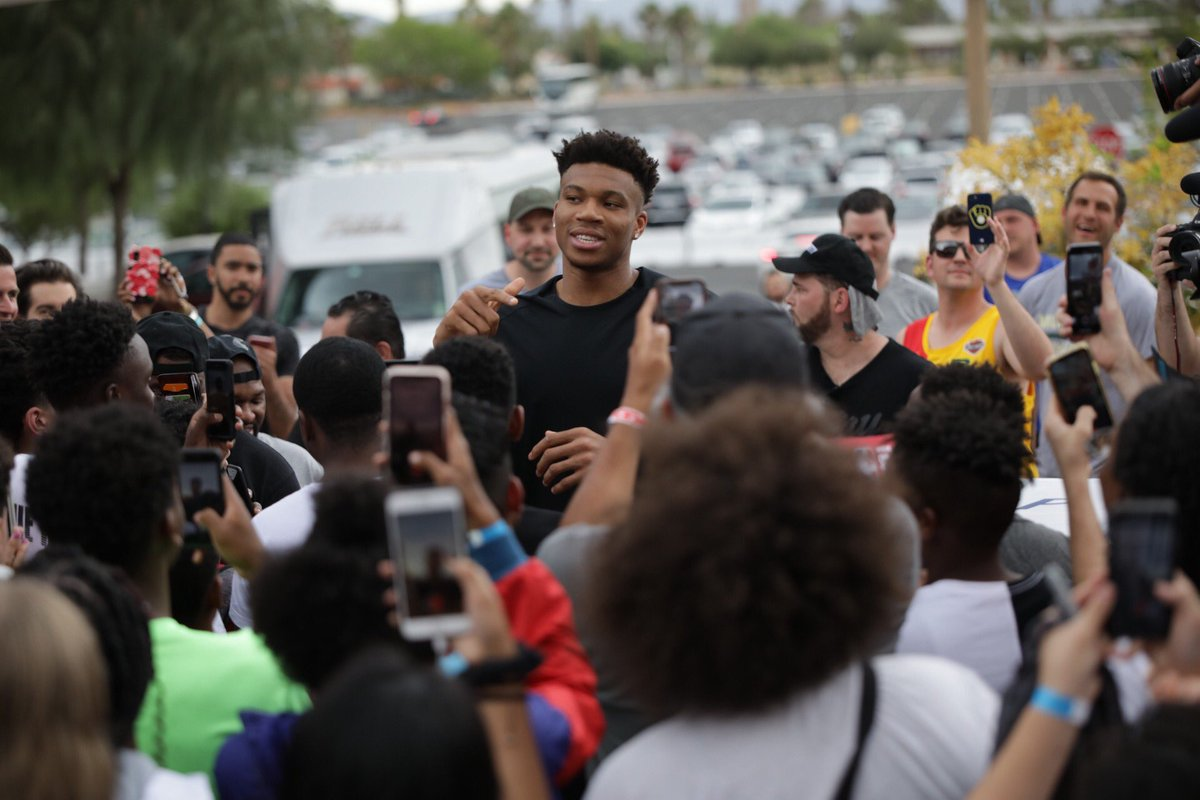 .@nikebasketball partnered with @footlocker House of Hoops and @Giannis_An34 to give away 200 #NBASummer League tickets to local kids...and then the MVP showed up to surprise everyone!