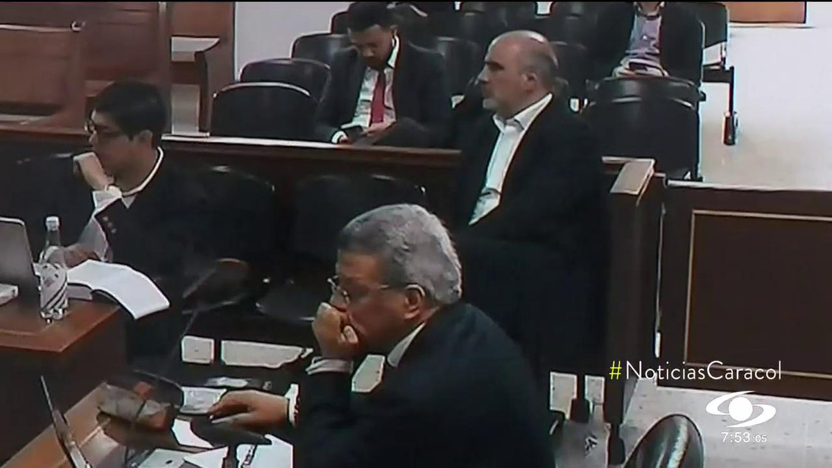 Juez avala acuerdo que da 7 años de cárcel a Tomás Jaramillo y lo obliga a pagar otros $400 millones - http://bit.ly/2JLkOZc #NoticiasCaracol