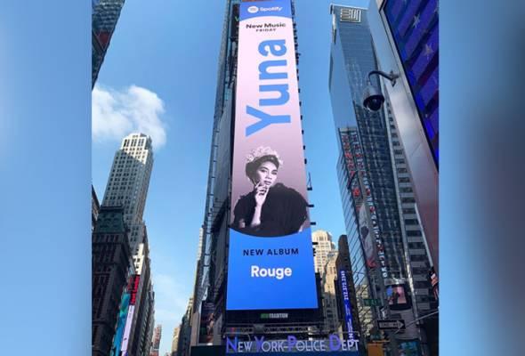 [KEMAS KINI] 'From KL to the world': Wajah Yuna bercucuk sanggul sebesar-besarnya di Times Square, New York! #AWANInews #AWANIpagi http://www.astroawani.com/berita-hiburan/kl-world-wajah-yuna-bercucuk-sanggul-sebesar-besarnya-di-times-square-new-york-212551…