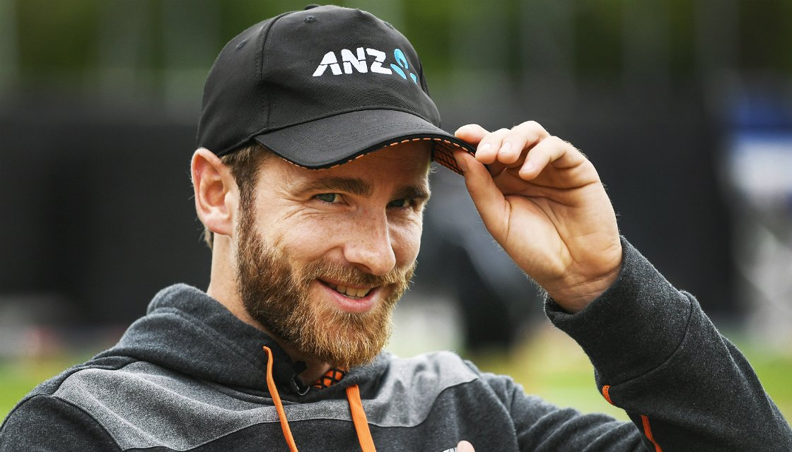"""My TV is advertising the #ENGvNZ Final at  #Lords as 'CLASH of the TITANS"""". Gosh. I don't believe ANYTHING from #NZ has been called a 'Titan' before ! Go #BlackCaps!  You do us proud . You Titans. #CWC19 #CWC19Final #ENGvNZL"""