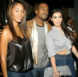 This is a Picture taken in 2007 of Kanye with his fiancée and his future wife😂😂😂😂