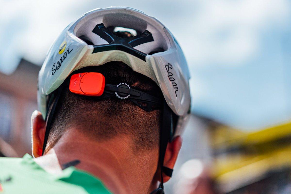"""スペシャライズド・ジャパン على تويتر: """"選手が使うヘルメットに付い ..."""