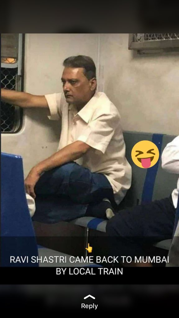 RAVI SHASTRI CAME BACK TO MUMBAI BY LOCAL TRAIN #CricketWorldCup19 #india