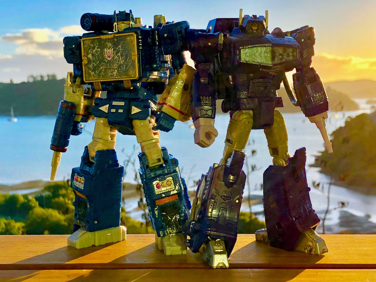 Chilling out on Saturday's with the Waves #transformers