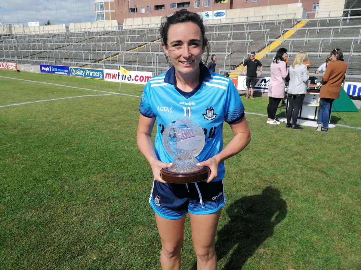 Congrats @NiamhoMc on your @SportTG4 Player of the Match award outstanding performance today by you & all the girls in blue 🙌🏻 #COYGIB #20x20 Thanks to @BarryF16 for the pic