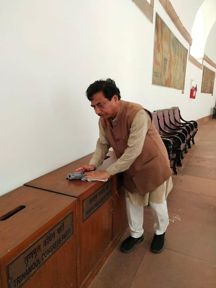 आज संसद भवन मे स्वच्छता अभियान के दौरान ।@swachhbharat