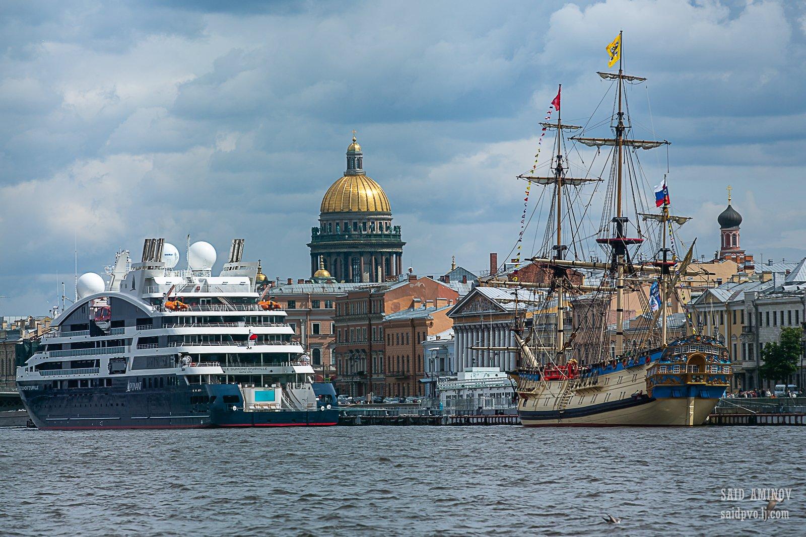 фото кораблей у причала крупным планом