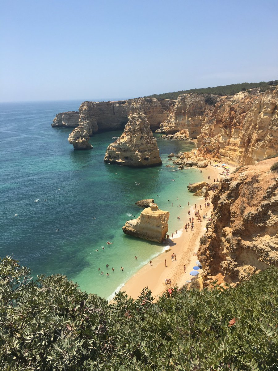 Thank you   #praiadamarinha #wow #portugal pic.twitter.com/ZWc2vYsfEE
