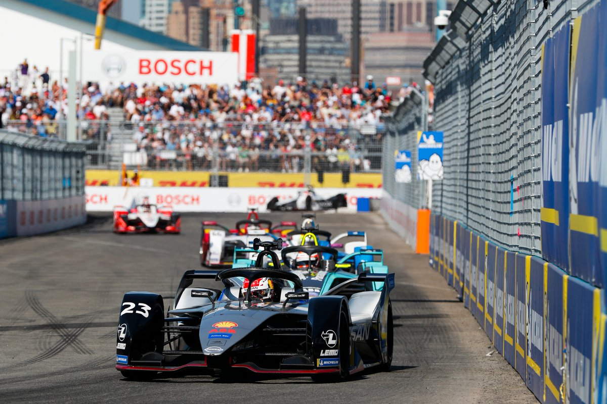 First win of the season for @Sebastien_buemi & Nissan! Title fight remains open until Sundays race: Who is your favorite for the grand finale in New York? #NYCEPrix #DHLMotorsports @FIAFormulaE
