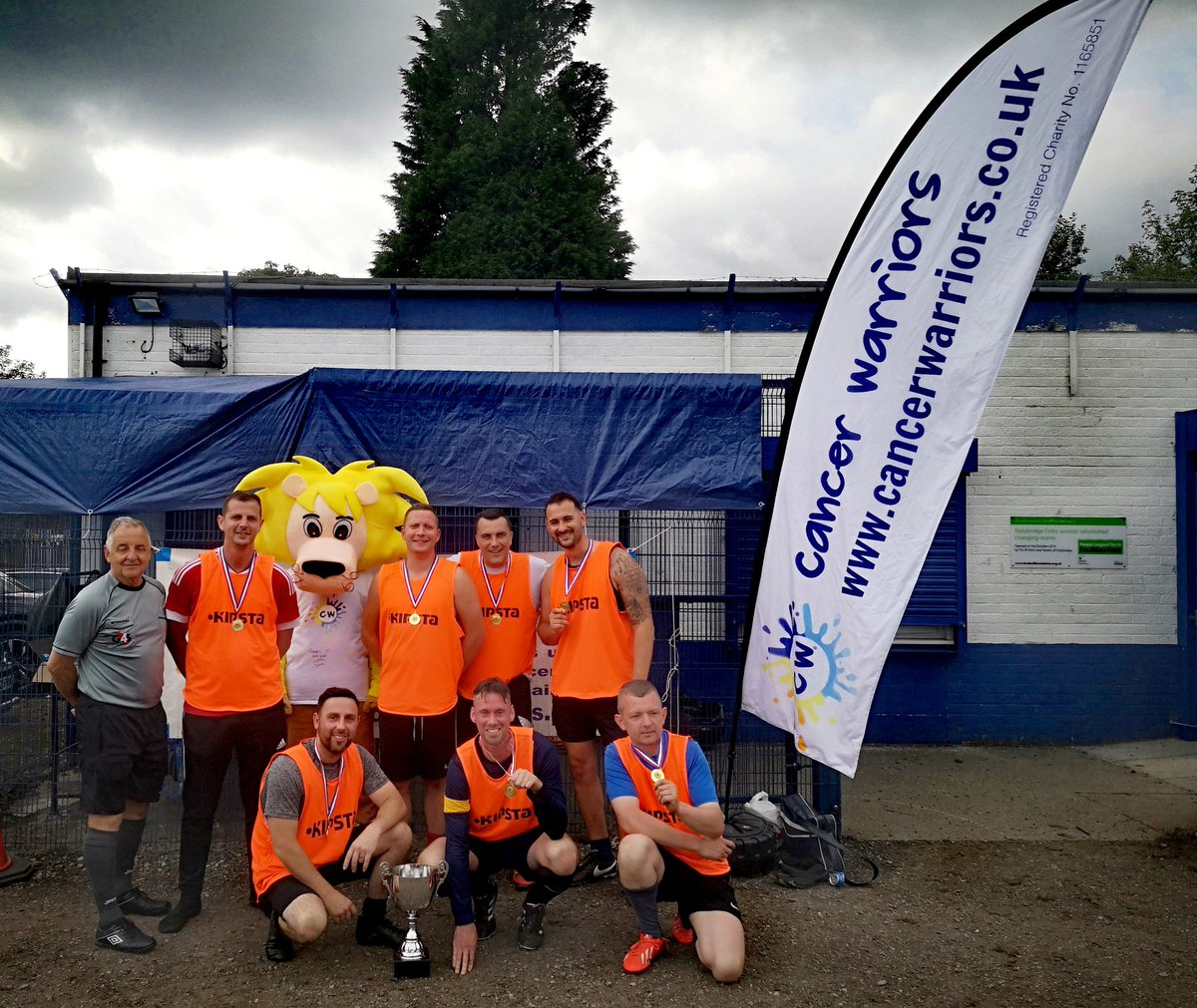 Had such a great day at @CelticJnrs  #walkingfootball tournament sadly we didn't win well done #MightySpartans who won thanks to everyone involved in such a great event raising vital funds for us at Cancer Warriors super day<br>http://pic.twitter.com/n4iuioJHve