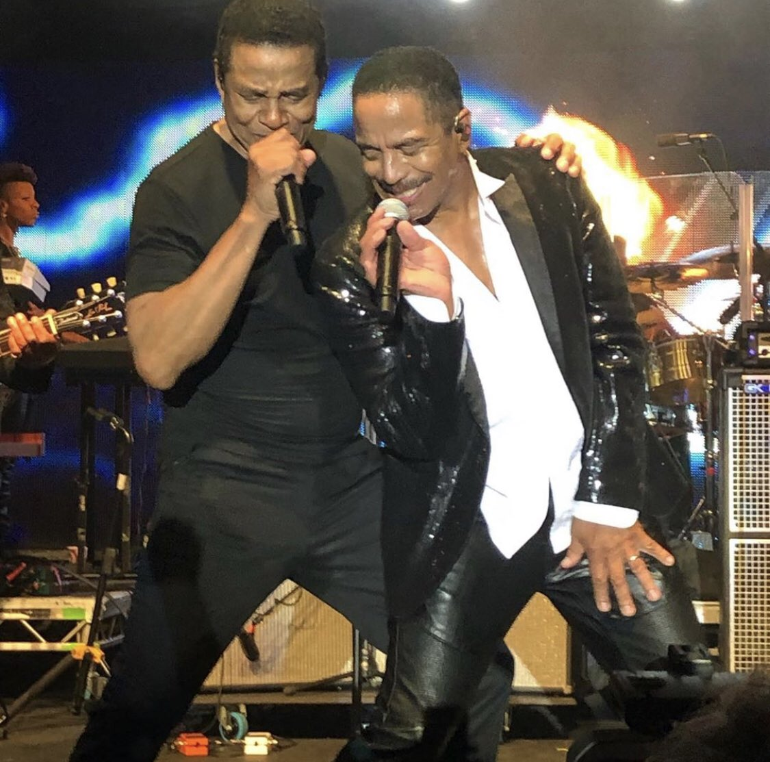 Vibin' with my bro @Marlon_Jackson at the @mostly_jazz fest last night!  Catch The @jacksons and I at the Audley End House in Essex tomorrow night!   @little_diamondwhite <br>http://pic.twitter.com/8hiicg2sci
