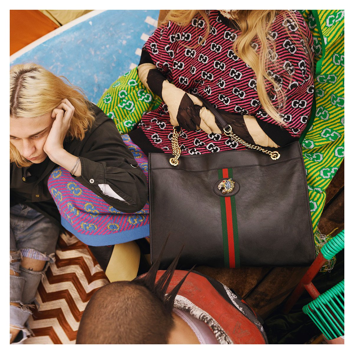 1793db26e #gift #luxury Up close with the #GucciRajah tote featuring the tiger head,