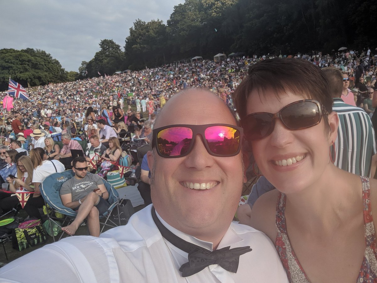 What a fabulous time at @leedscastleuk today. The first time we've attended #LeedsCastleClassicalConcert & absolutely loved it. Such a brilliant atmosphere, love a bit of flag waving! And while my day 166 #BeThankful is for the entire day, has to also be for the rain holding off! <br>http://pic.twitter.com/qbbaXfOiek