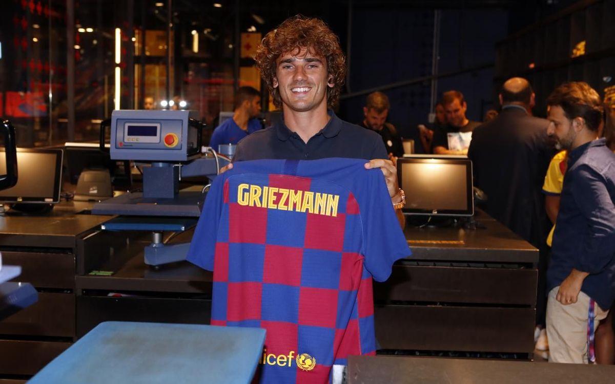 Гризманн с новой футболкой