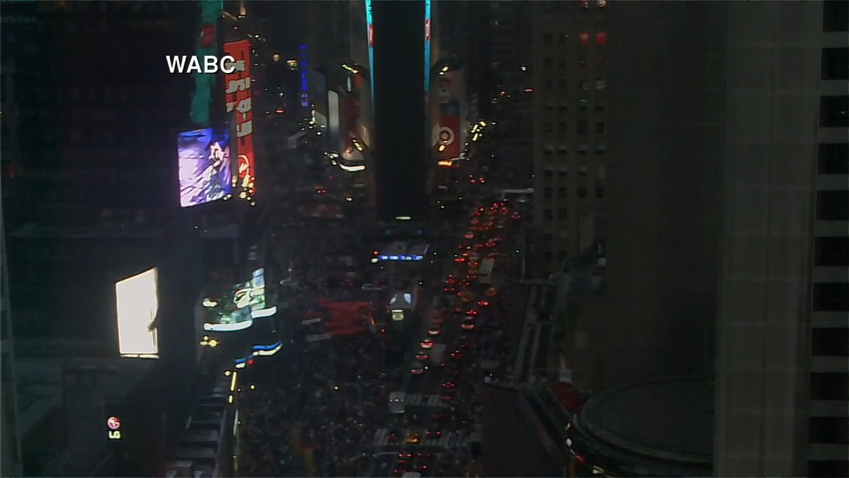 The lights are out in parts of New York's Times Square as electrical outages affect portions of Manhattan https://cnn.it/2ScrvqZ