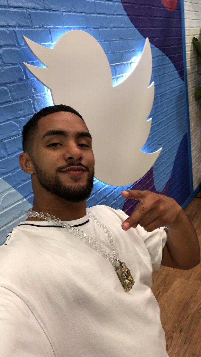 It's @BrotherNature here at the #TwitterSpot to answer any qs I didn't get to earlier #LiveAtVidCon