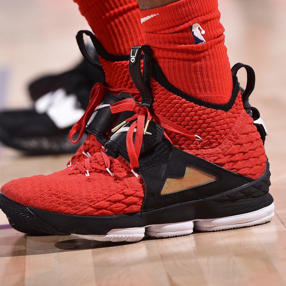 More than just OK... @CmoHutchison breaks out the Red Diamond Turf Nike LeBron 15!   #ATT #CourtsideKicks #NBAKicks