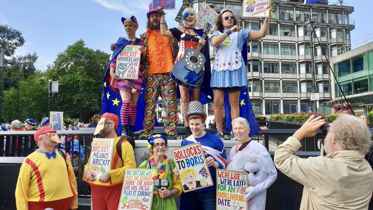 Who enjoyed the #MarchForChange yesterday?!   It was so much fun and great to see all #Remainers and those who are #RemainerNow out and about.  #BrexitWonderland #FBPE #NoToBoris #YestoEurope #StopBrexit