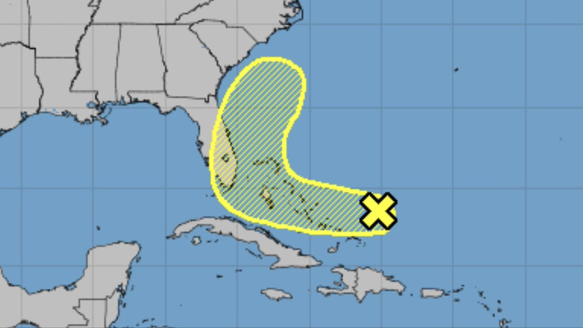 STORM WATCH: Weak tropical wave 300 miles east of Central Bahamas will drift west. Only 20% chance of development, but should still be watched. Could bring some showers to FL in coming week. https://t.co/SHEfs6K9fk
